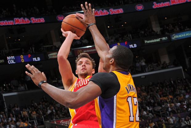 Chandler Parsons y Dwight Howard./ Getty Images