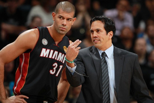 Shane Battier y Erik Spoelstra./ Getty Images
