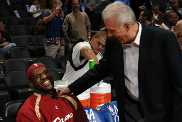 LeBron James y Gregg Popovich./ Getty Images