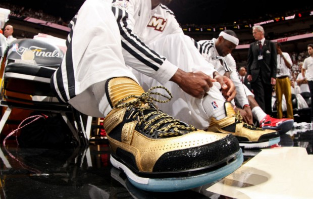 Li-Ning - Way Of Wade 'Encore Gold & Black'
