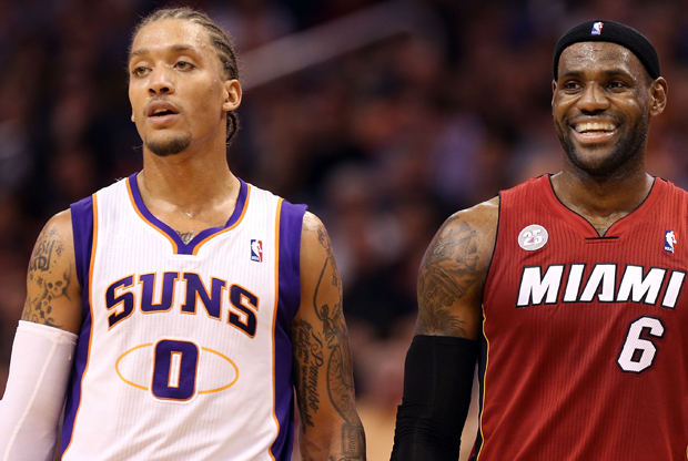 Michael Beasley y LeBron James./ Getty Images