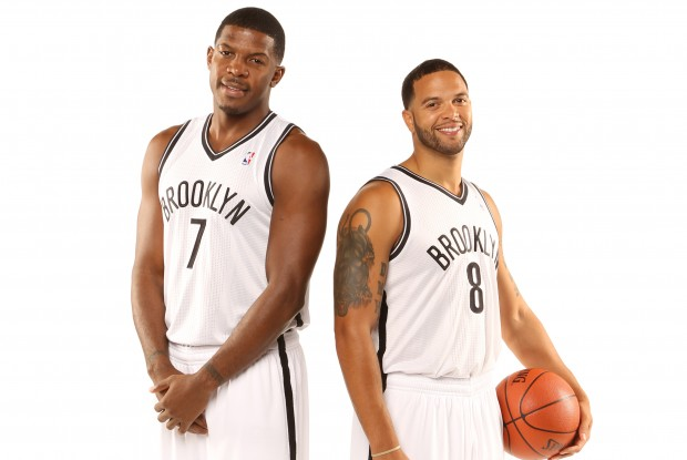 Joe Johnson y Deron Williams./ Getty Images