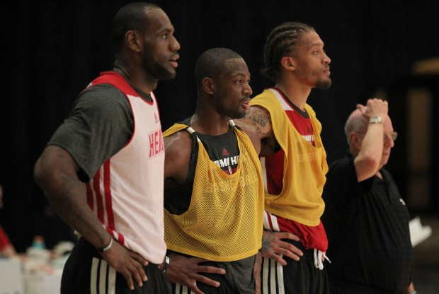 LeBron James, Dwyane Wade y Michael Beasley./ Getty Images