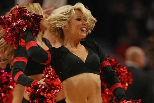 Chicago Bulls cheerleader./ Getty Images