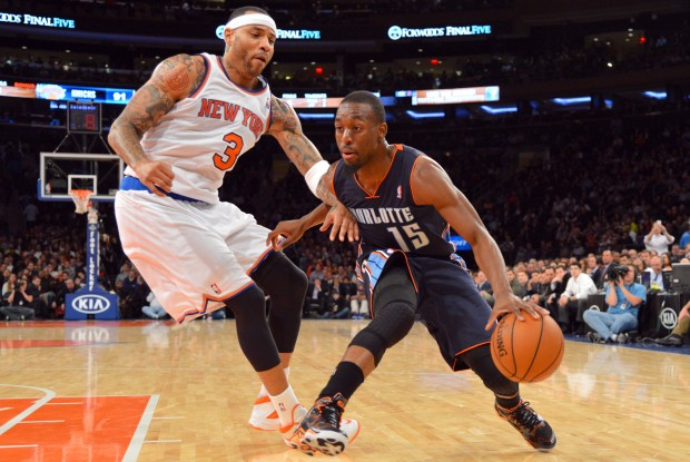 Kemba Walker se zafa de la marca de Kenyon Martin./ Getty Images