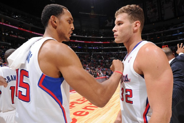 Ryan hollins y Blake Griffin./ Getty Images