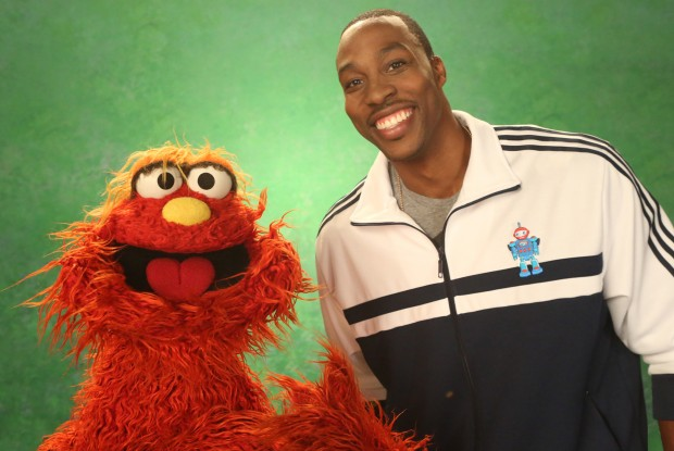 Dwight Howard en Barrio Sésamo