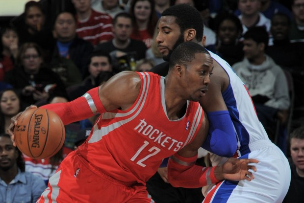 Dwight Howard ante Andre Drummond./ Getty Images