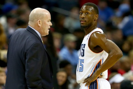 Steve Clifford y Kemba Walker./ Getty Images