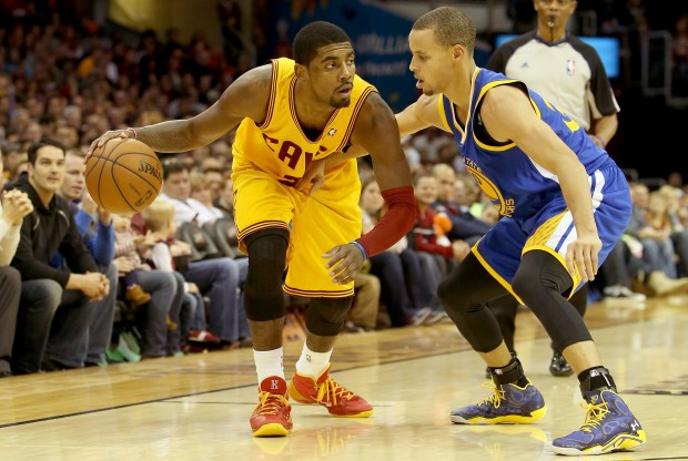 Kyrie Irving y Stephen Curry./ Getty Images