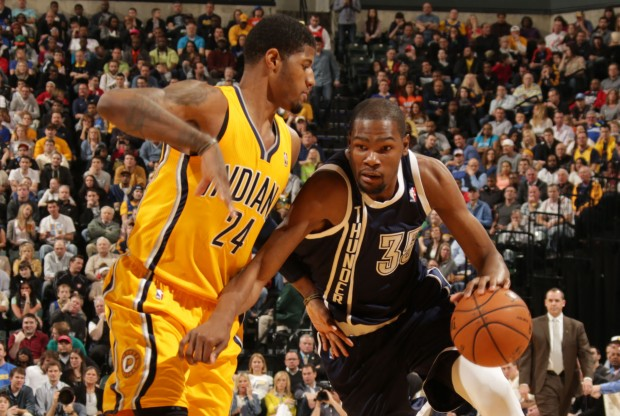 Paul George y Kevin Durant./ Getty Images