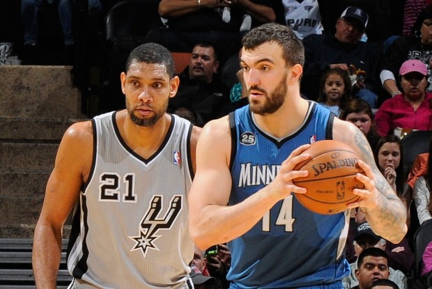 Tim Duncan y Nikola Pekovic./ Getty Images
