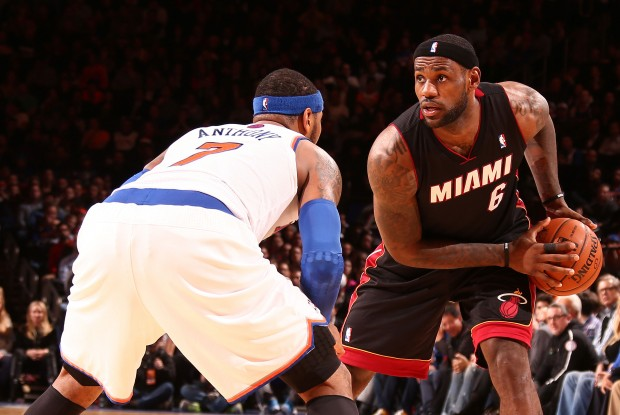 Carmelo Anthony vs. LeBron James./ Getty Images
