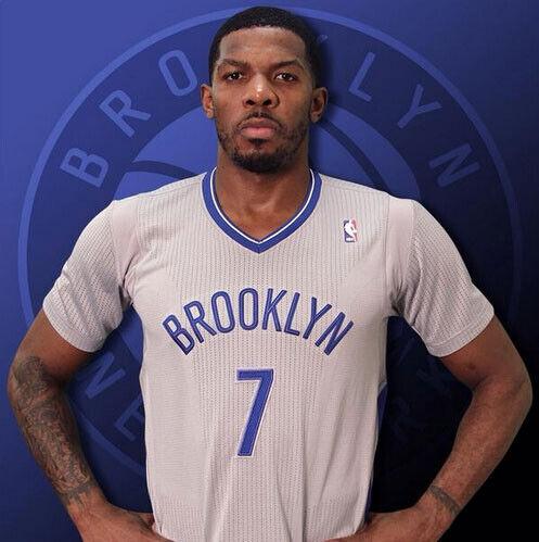 La camiseta retro de los Nets al estilo de los Brooklyn Dodgers