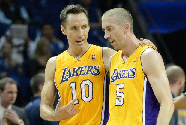 Steve Nash y steve Blake./ Getty Images