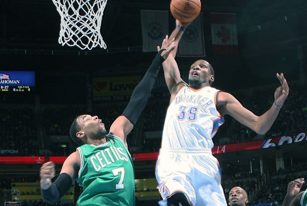 Jared Sullinger y Kevin Durant./ Getty Images