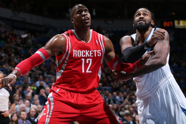 Dwight Howard y Ronnie Turiaf./ Getty Images