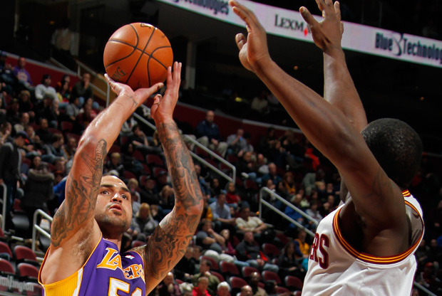 Robert Sacre / Getty Images
