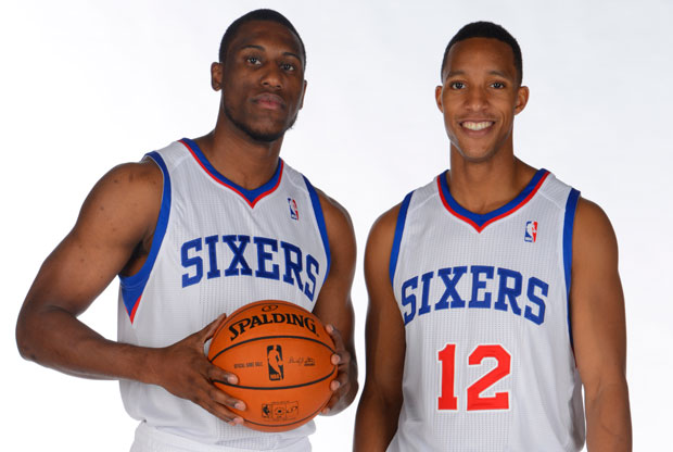 Thaddeus Young y Evan Turner / Getty Images