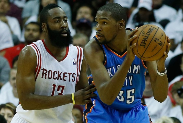 James Harden vs. Kevin Durant./ Getty Images