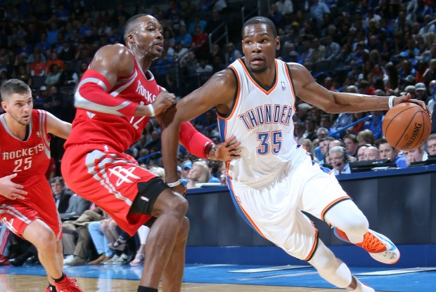 Kevin Durant vs Dwigth Howard./ Getty Images