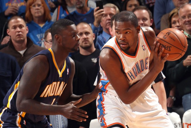 Lance Stephenson y Kevin Durant./ Getty Images