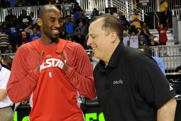 Kobe Bryant y Tom Thibodeau./ Getty Images