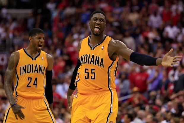 Paul George y Roy Hibbert./ Getty Images