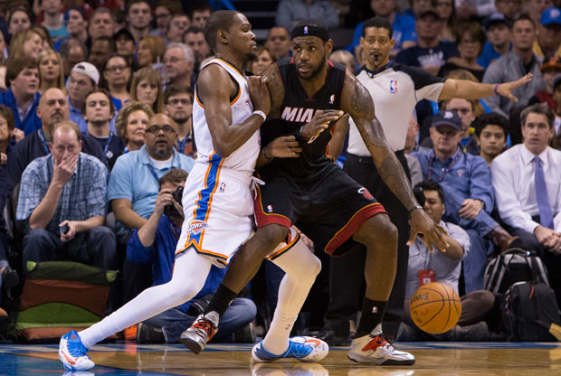 Kevin Durant y LeBron James / Getty Images