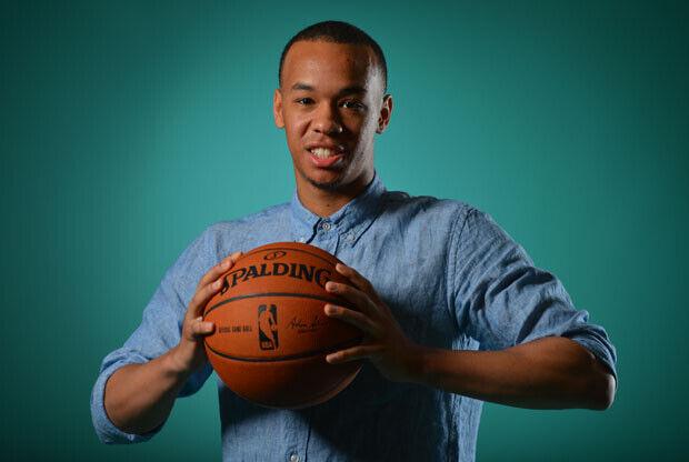 Charlotte Hornets envía a Shabazz Napier a Miami Heat