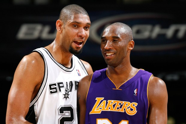 Tim Duncan y Kobe Bryant./ Getty Images