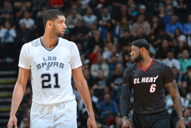 Tim Duncan y LeBron James / Getty Images