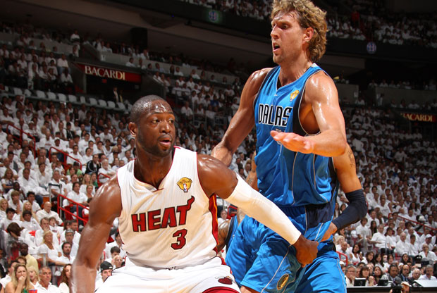 Dirk Nowitzki y Dwyane Wade / Getty Images