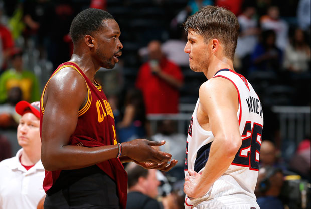 Luol Deng y Kyle Korver / Getty Images