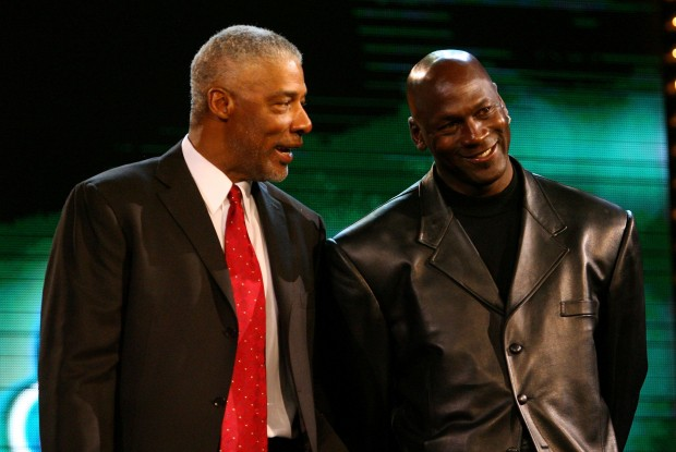 Julius Erving y Michael Jordan./ Getty Images