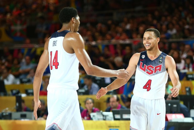 Anthony Davis y Stephen Curry./ Getty Images