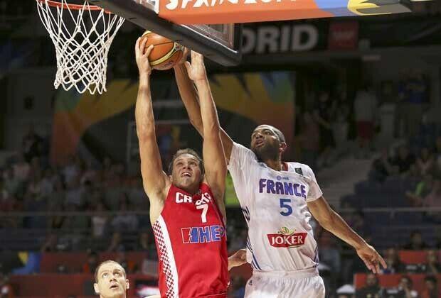 Bojan Bogdanovic, Nicolas Batum / FIBA