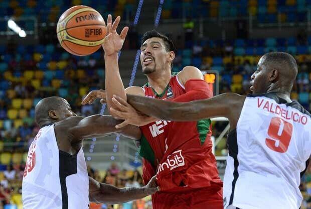 Gustavo Ayón / FIBA