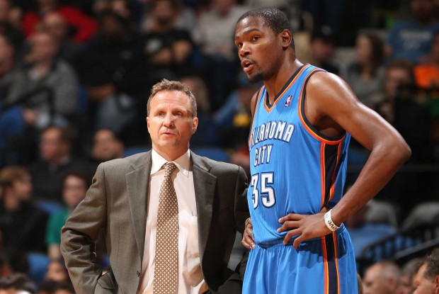 Scott Brooks y Kevin Durant./ Getty Images