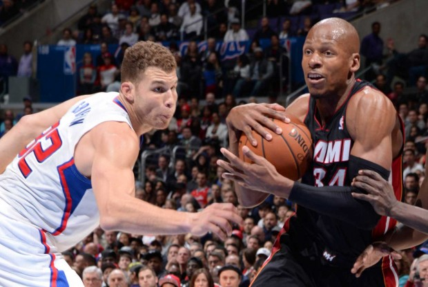 Ray Allen ataca ante la presencia de Blake Griffin./ Getty Images