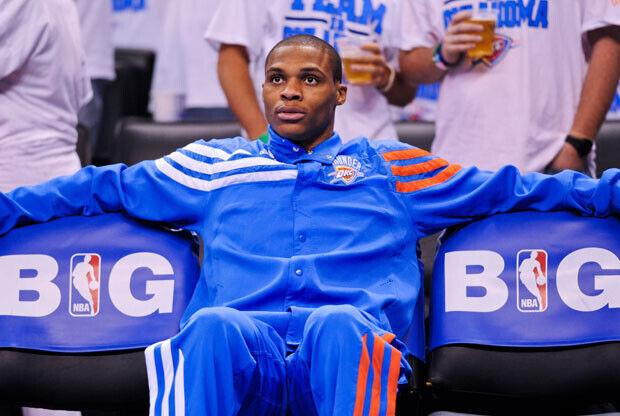 Scott Brooks aún no ha decidido cuánto jugará Westbrook