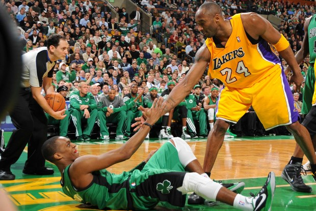 Rajon Rondo y Kobe Bryant./ Getty Images