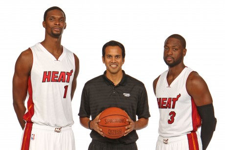 Chris Bosh, Erik Spoelstra y Dwyane Wade./ Getty Images