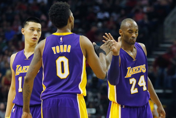 Jeremy Lin, Nick Young y Kobe Bryant./ Getty Images