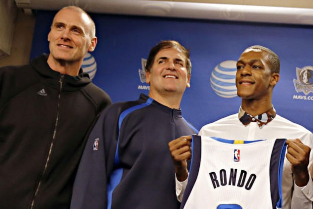 Rick Carlisle, Mark Cuban y Rajon Rondo./ Getty Images