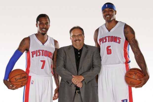 Brandon Jennings, Stan Van Gundy y Josh Smith./ Getty Images