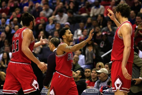 Joakim Noah, Derrick Rose y Pau Gasol./ Getty Images