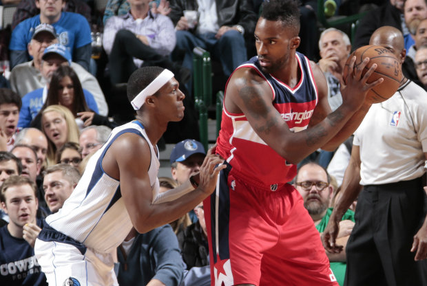 Rajon Rondo defendiendo ante Washington Wizards./ Getty Images