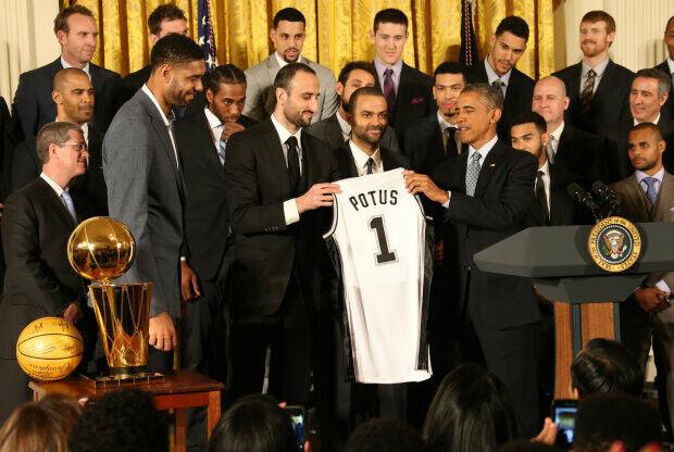 San Antonio Spurs y Barack Obama./ Getty Images