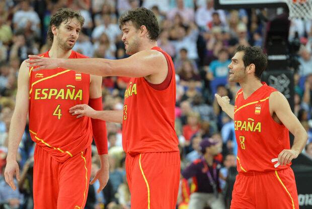 Pau Gasol, Marc Gasol y José Mauel Calderón./ Getty Images